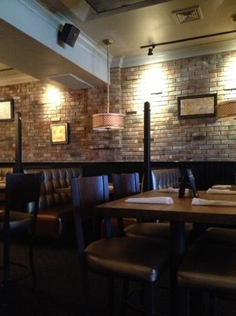 Tunxis Grill & Pizzeria: one area for dining