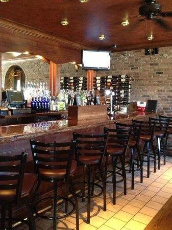 Tunxis Grill & Pizzeria: bar