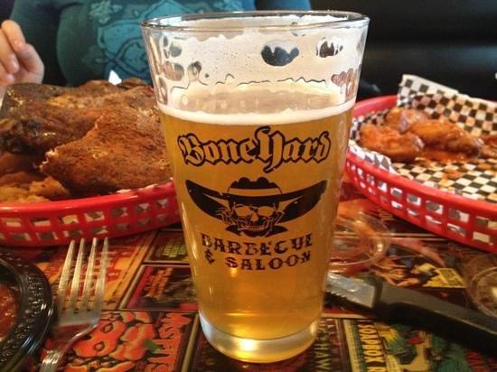 Boneyard Barbecue Saloon: yum