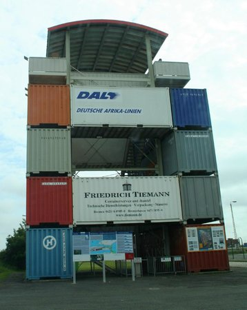 Container-Aussichtsturm