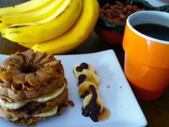 La Senda: vegan banana muffin sandwich with raw cacao and coconut oil ganache