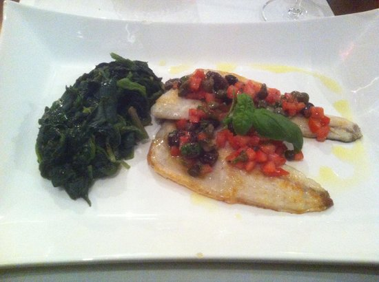 Parkhotel Cochem : Grilled sea bass with spinach, tomoatoes, capers and taggiasca olives