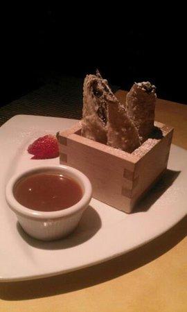 Mikimotos Japanese Restaurant: Oreo Cheesecake Eggrolls