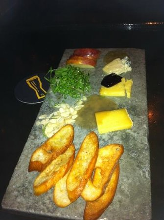 Triumph Brewing Co of New Hope : cheese plater