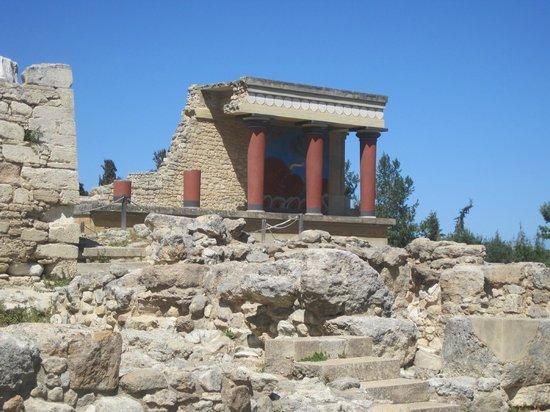 Общий вид - Picture of The Palace of Knossos, Heraklion ...