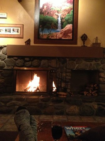 Junipine Resort: Relaxing after a hike on the West Fork trail in Oak creek canyon