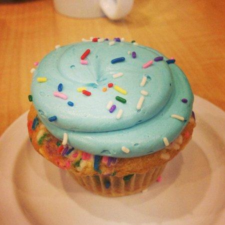 Mollys Cupcakes Cake Batter Aka Birthday Cupcake