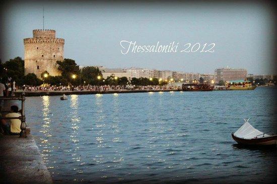 White Tower of Thessaloniki: White Tower and Thessaloniki sea