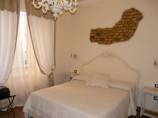 Sweetly Home Roma: Chambre