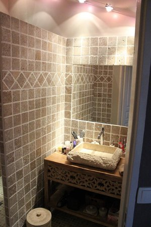 le mas des ar mes entraigues sur la sorgue frankrijk. Black Bedroom Furniture Sets. Home Design Ideas