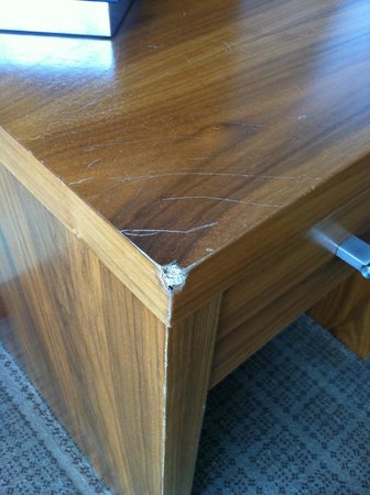 Sligo Park Hotel & Leisure Club: Bedside table