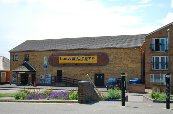 ‪Loewen Cinema‬