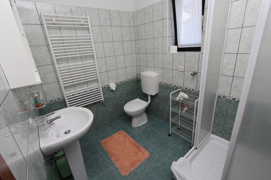 Rooms/Apartments ROMANO: app.3 bathroom