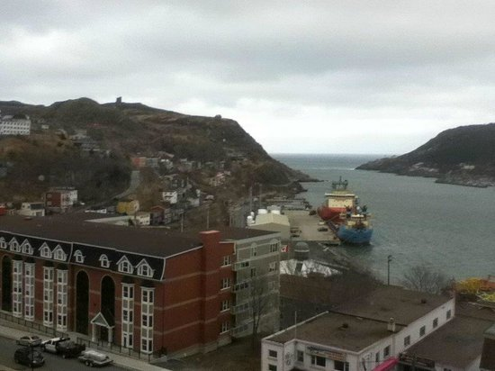 Sheraton Hotel Newfoundland: View of the harbour Narrows from room 516