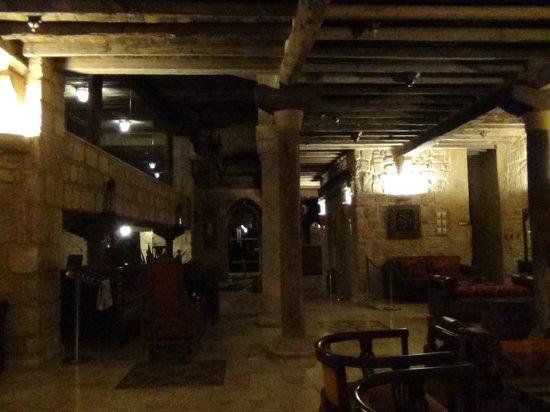 Assaha Hotel: Inside hallway