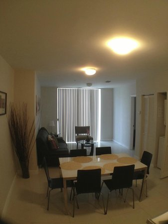 Habitat Residence: Livingroom