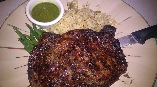 Cuatro Restaurant: rib eye