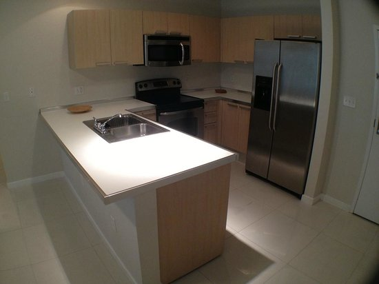 Habitat Residence: Kitchen, very very nice