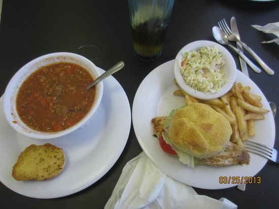 Suncoast Cafe: Grilled Chicken Sandwich and Conch Soup