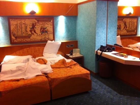 Brunelleschi Hotel: quarto