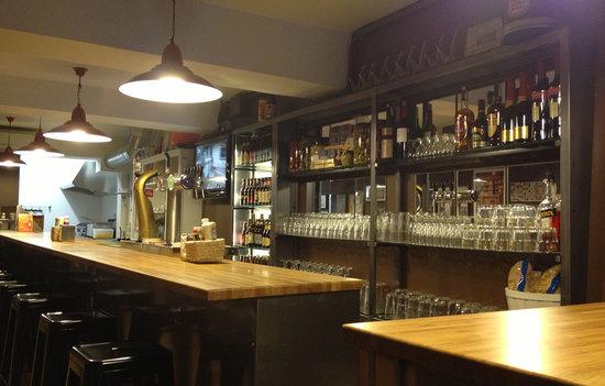 Bar La Sede de Baresautenticos.com: interior del bar