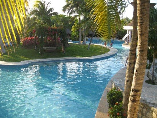 IBEROSTAR Paraiso Del Mar: Pool area