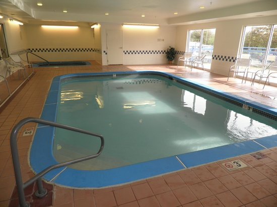 Fairfield Inn St. Louis Fenton: Pool