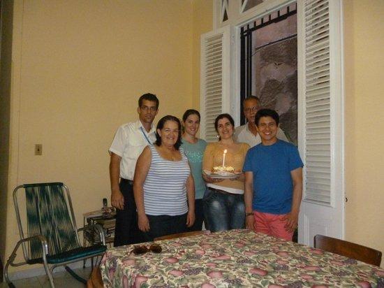 Casa Hilda y Alejandro: Gracias por la deliciosa tarta de cumple!.Thank you for a delicious birthday cake! Hilda's famil