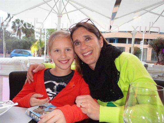 DLux: visita con la hija y la nieta