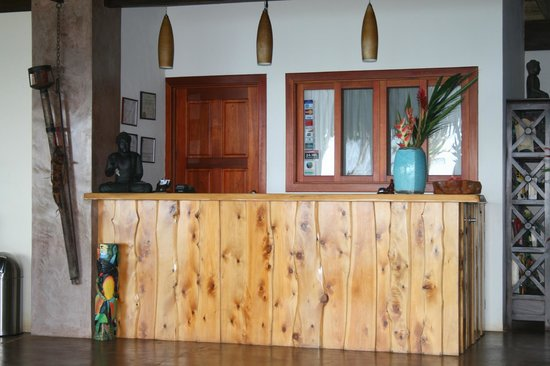 Copa de Arbol Beach and Rainforest Resort: Front Desk