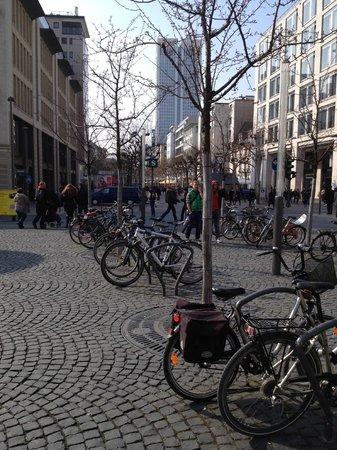 The Westin Grand Frankfurt: Zeil shopping Promenade, Frankfurt