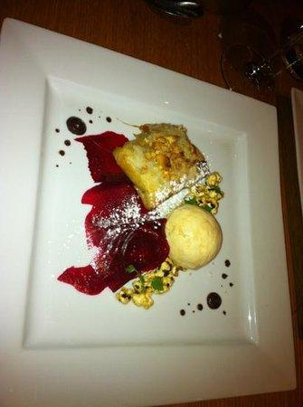 Stravaigin: baklava dessert