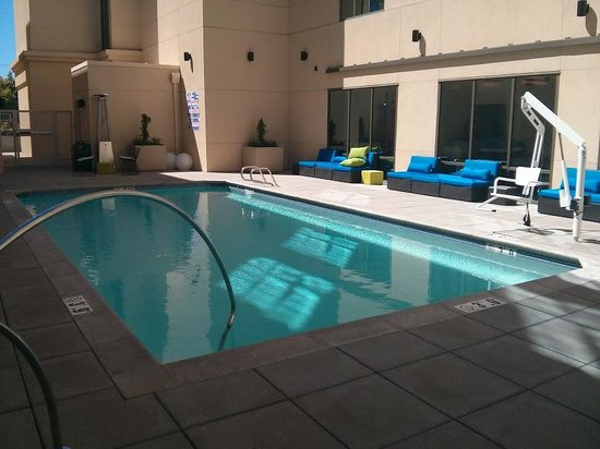 Aloft Cupertino: swimming pool