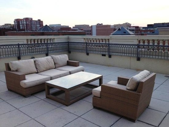Kimpton Lorien Hotel & Spa: Huge, very private terrace right off bedroom
