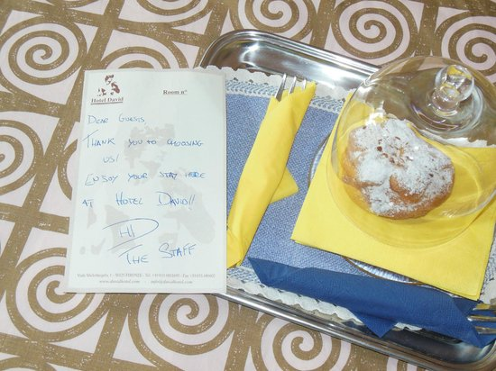 Welcome to Hotel David - handwritten note :)