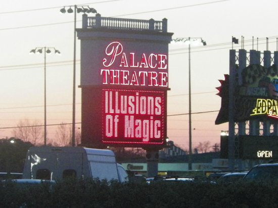 Palace Theatre: Outside signage