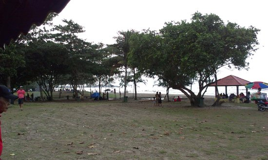 Balau Bay Resort : Public beach ,600m away