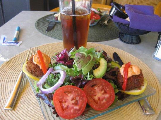 Panolivo: crab cake salad