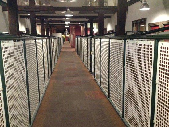 Oaks Goldsbrough Apartments: Walkway through 2nd floor units