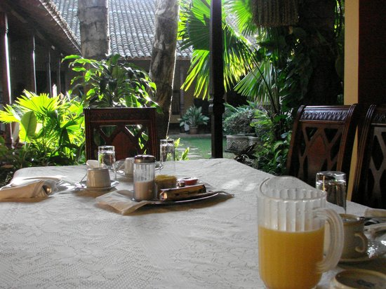 Hotel Casa Robleto: breakfast area