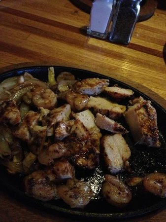 Applebee's: chicken shrimp