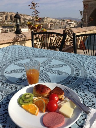 SOS Cave Hotel: Breakfast on the Terrace