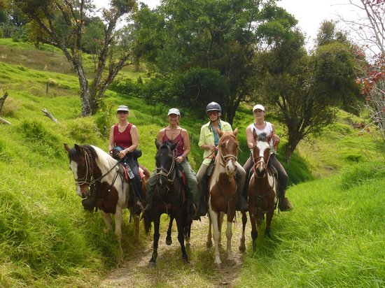 Sabine's Smiling Horses : 4 sisters riding in Los Tornos