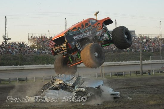 Monster trucks picture of pittsburgh 39 s pa motor speedway for Motor truck of pa