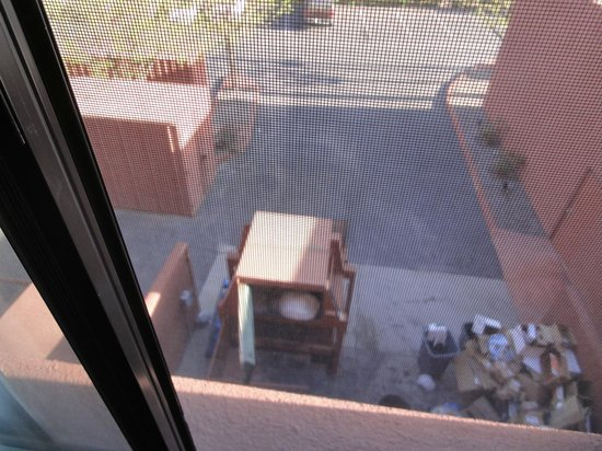 Best Western Plus Rio Grande Inn: Dumpster View