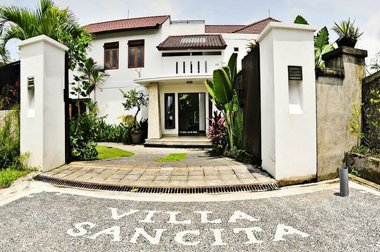 Villa Sancita: Entrance