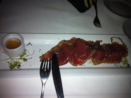 Umbria : seared ahi tuna. excellent!
