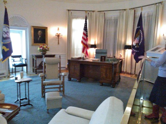lbj oval office. LBJ Presidential Library: Replica Of The Oval Office Lbj