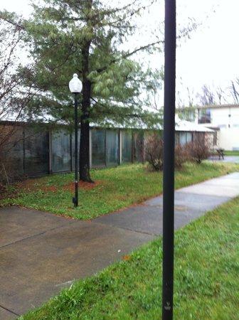 Howard Johnson Bartonsville/Poconos Area: Pool building