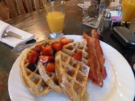Seven Wives Inn: breakfast